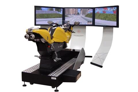 Symulator motocykla (ścigacza)
