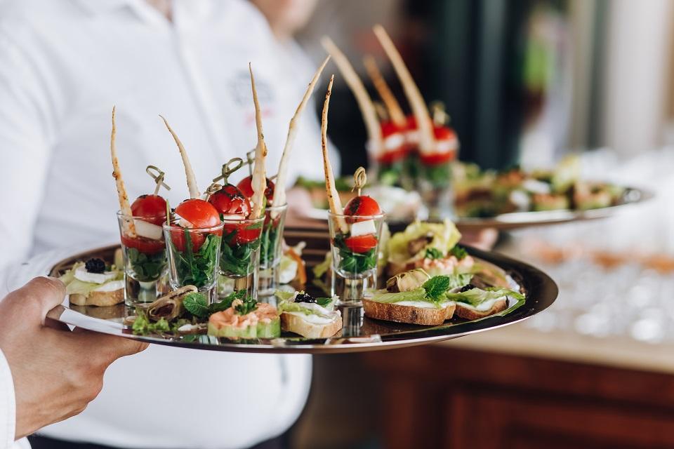 Catering na imprezy firmowe